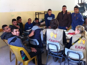 EAs im Gespräch mit den Schülern der Secondary Boys School al-Khadr