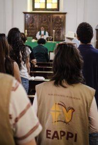 Teilnehmende des EAPPI während eines Gottesdienstes in Nablus; @EAPPI
