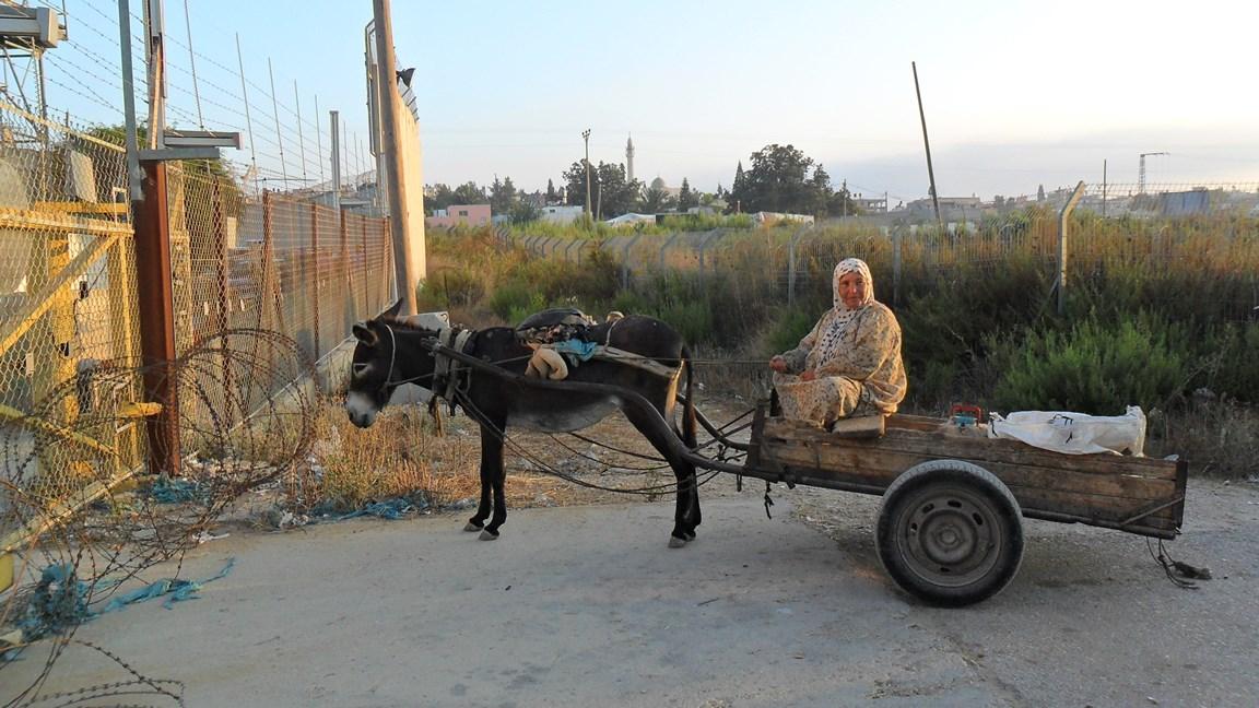 "Am ""Agricultural gate"" in Nazlat Isa, nördlich von Tulkarem; Foto © EAPPI"