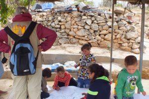 Die Kinder von A Seefer malen ihren Alltag; © EAPPI