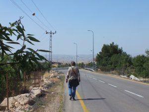"""Auf dem Schulweg in der """"Nahtzone"""" werden wir in den nächsten Tagen häufiger Präsenz zeigen; © EAPPI"""