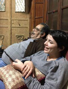 Vater Nihad ist neben seiner Tochter eingeschlafen; © EAPPI