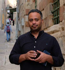 Bassam Khalil vor der Schule in Jerusalems Altstadt. Foto © EAPPI