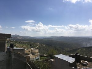 Blick von Ibrahims Dach auf die wunderbare Landschaft ©EAPPI