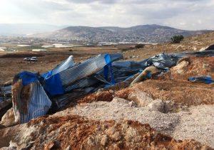 Zerstörter Wassertank nahe der Stadt Tubas; Foto © EAPPI