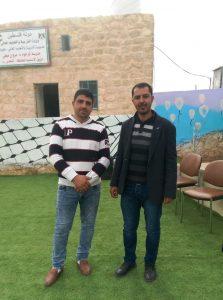 Schulleiter Firas (rechts) mit einem der Lehrer © EAPPI
