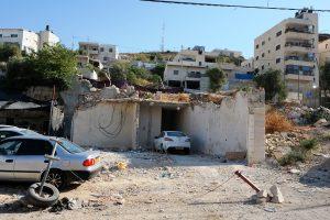 Was früher ein Haus war dient nun als Parkplatz: Überreste einer Hauszerstörung in Isawiya; Foto @ EAPPI