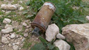 Rauchgranate, gefunden nahe Jiftlik; © EAPPI