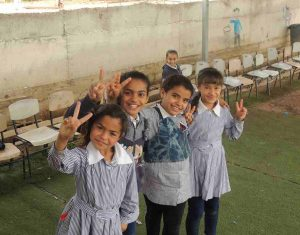Schülerinnen in Arab ar Ramadin al Janoubi; © EAPPI