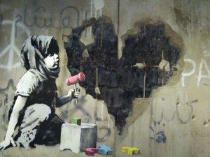 Banksy-Installation im Walled Off Hotel Bethlehem; Foto © EAPPI