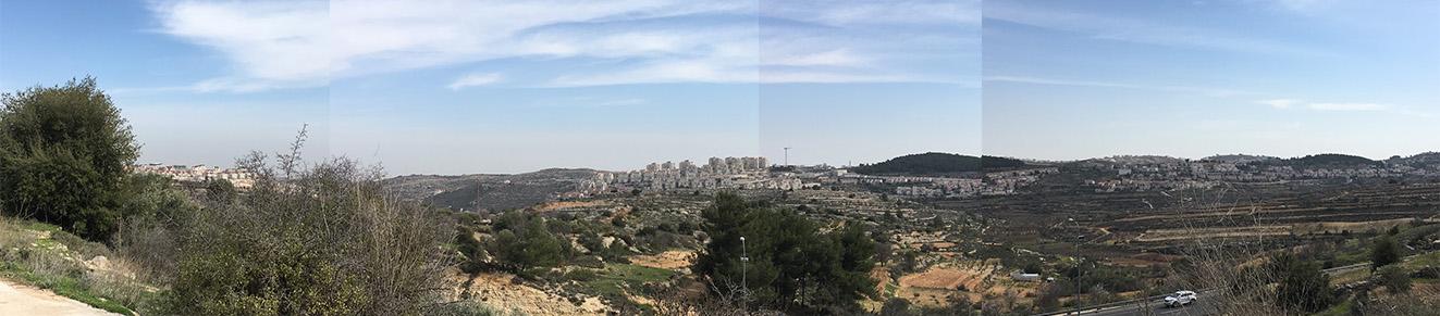 Blick von Shoshahla zur Siedlung Efrat mit ihren relativ neuen Stadtteilen Givat Hatamar (Bildmitte) und Givat Hadagan (linker Bildrand); © EAPPI