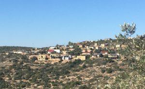 Die Siedlung Nofim auf dem gegenüberliegenden Hügel befindet sich in stetigem Ausbau; ©EAPPI