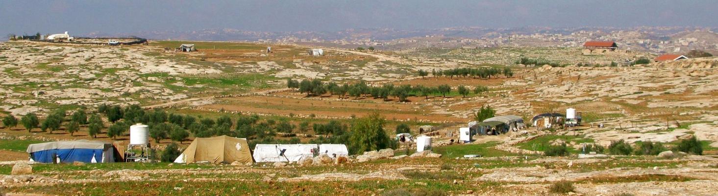Teile des palästinensischen Susiya, am rechten oberen Bildrand die Ausgrabungsstätte/Old Susiya